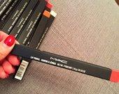 Mac lūpų pieštukai