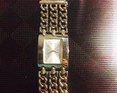 Guess stilingas laikrodis