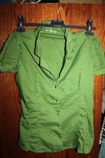 žali marškinukai