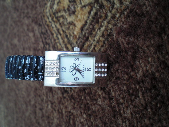 Laikrodukas iš Avon