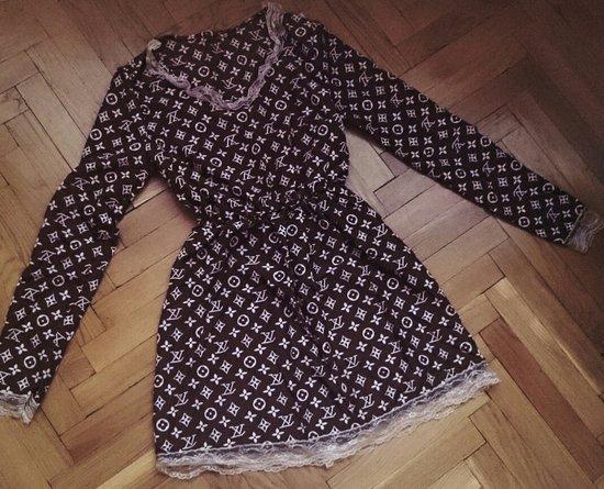 Louis Vuitton suknele