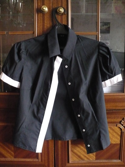 Žavūs juodi marškinukai
