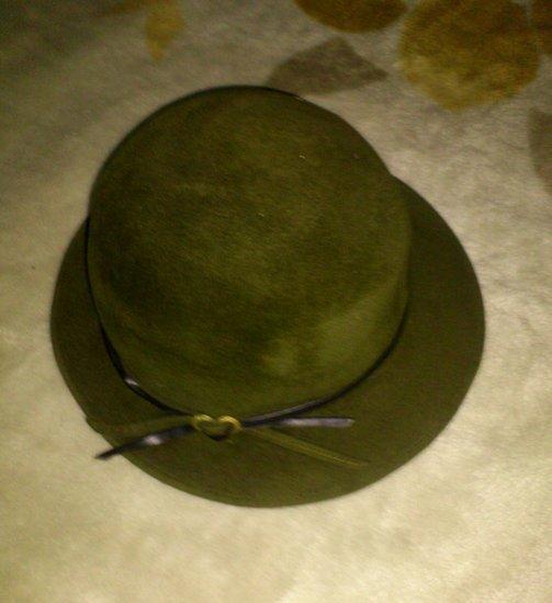 Rudenine, moteriška skrybelė