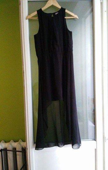 Asimetrine juoda suknele