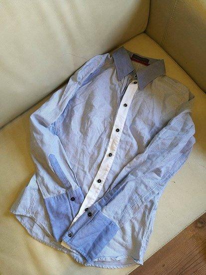 Mėlyni madingi marškiniai
