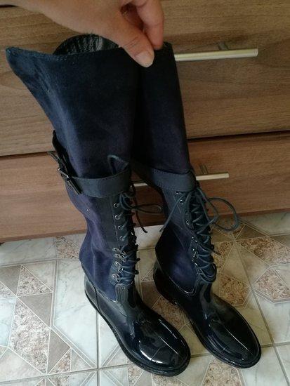 nauji botai