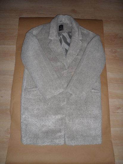 Pilkos spalvos paltukas