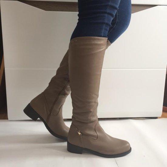 Ilgaauliai nauji batai