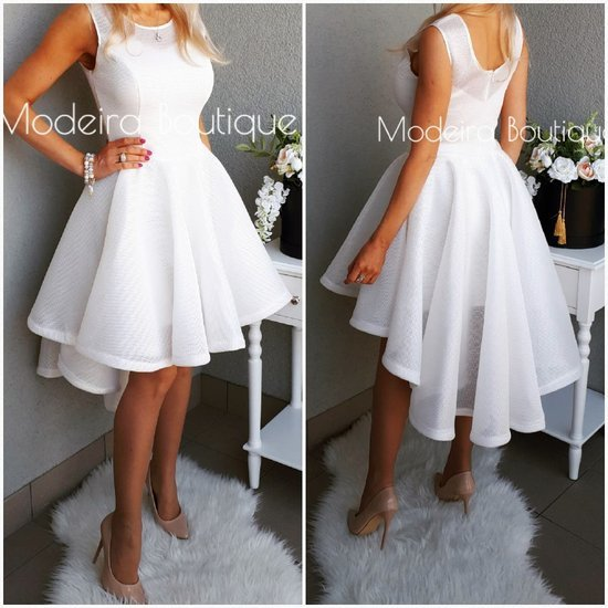 balta suknele prailgintu galu