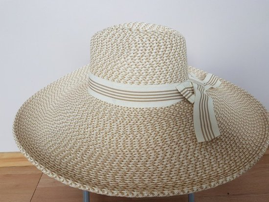 Didėlė skrybėlė