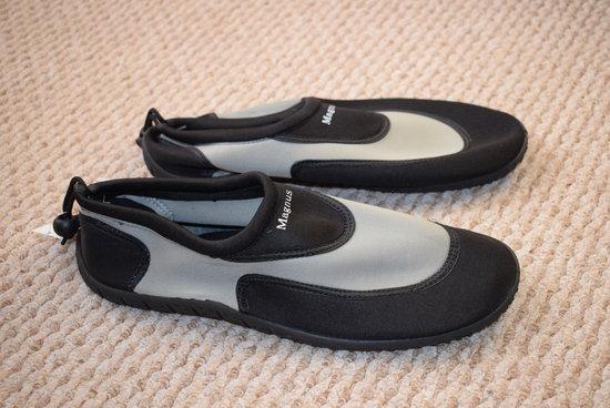 Juodi vandens batai 45 dydis