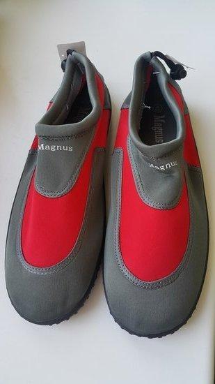 Pilki vandens batai 45 dydis