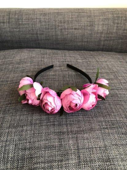 Bijūninių rožių lankelis