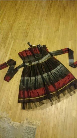 superinė papūsta suknelė
