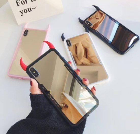 Evil iPhone dekliukas