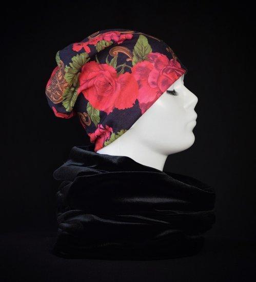 Nauja tamsiai melyna kepure su prailgintu galu