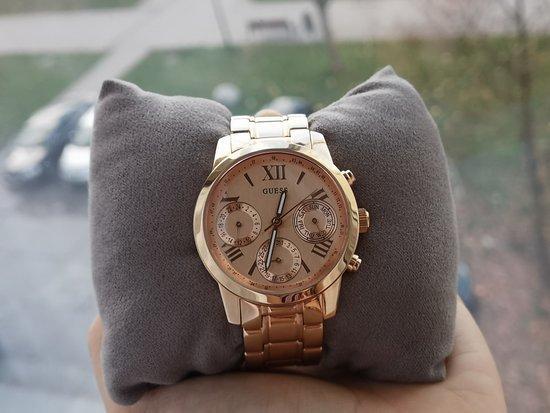 Moteriškas GUESS laikrodis