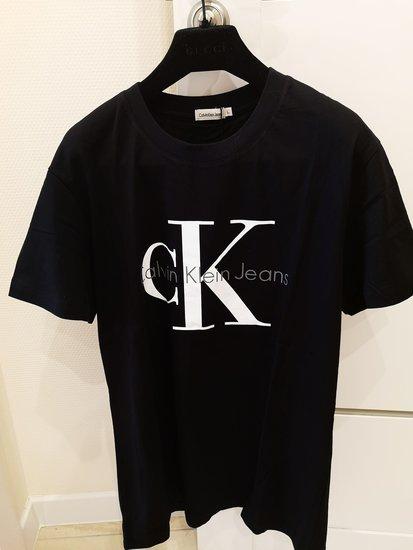 Calvin Klein juoda palaidine
