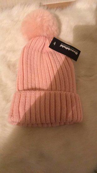 Kepure su bumbulu nauja :)