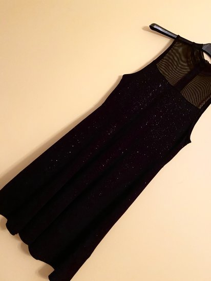Blizganti suknelė