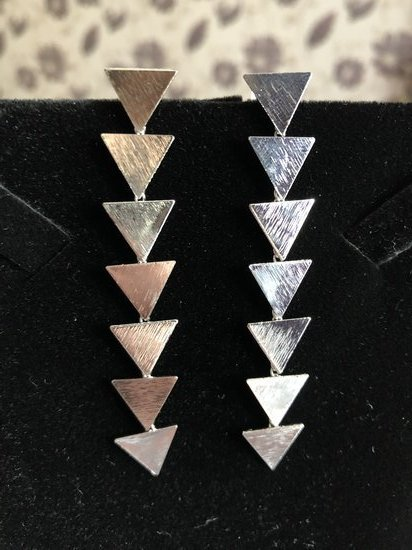 Auskarai eglutė trikampis