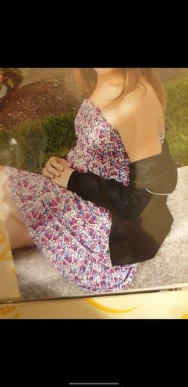 Suknelė be šleikų