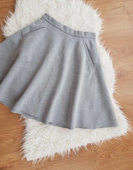 Pilkas sijonas su kišenėm