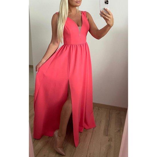 Nauja progine isleistuviu suknele
