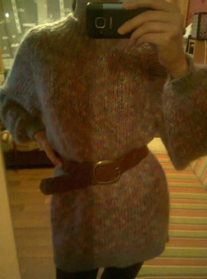 Labai gražuuus ilgas megztinis ant tympų