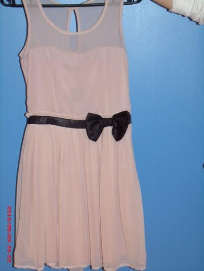 Puošni, nauja, graži suknelė!