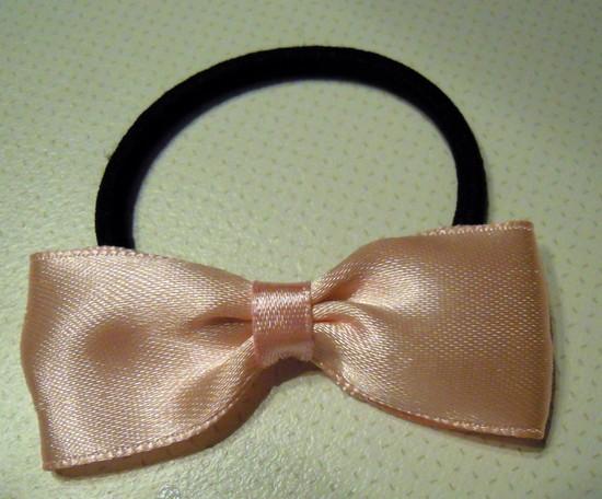 Light pink plaukų gumytė