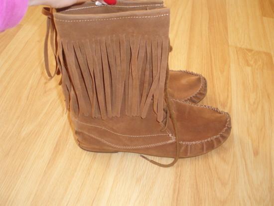 rudi zomsiniai batai