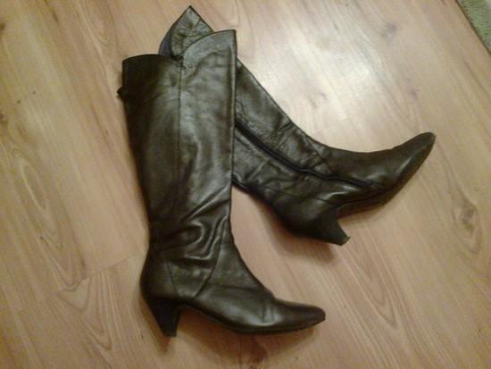 Tamsiai pilki batai