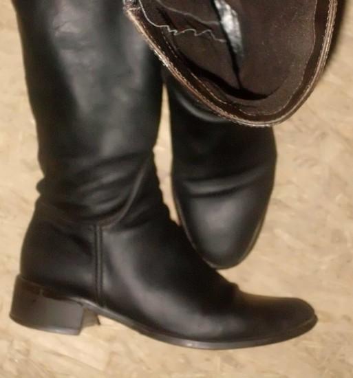 Moteriški rudi odiniai batai