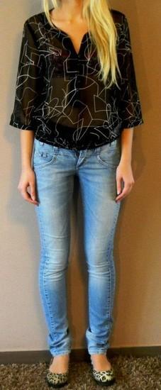 NAUJA Vero Moda palaidinė ir NAUJI Object džinsai