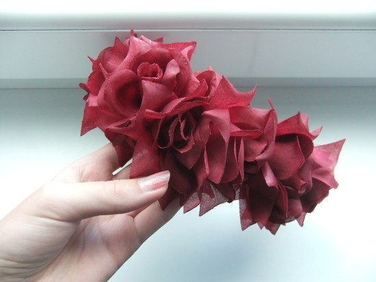 Raudonų rožių lankelis
