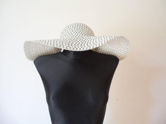 Didelė vasarinė skrybėlė
