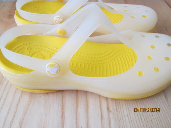 38 dydžio crocsai
