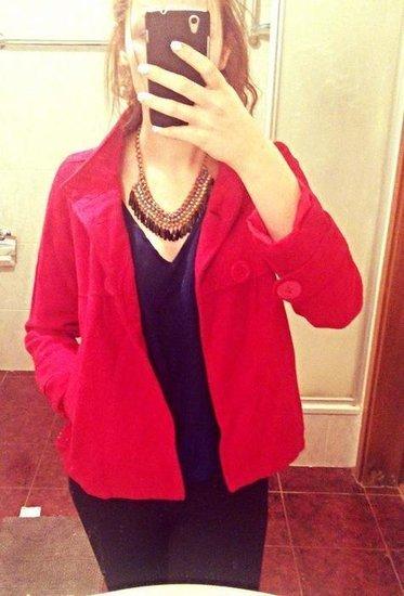 Raudonas mielas paltukas