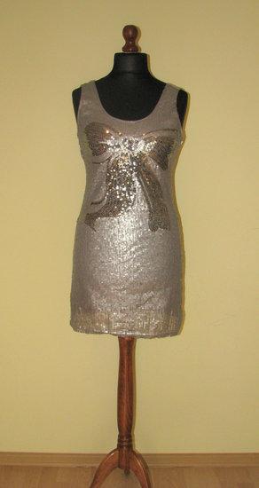 Blizgi ir nugaroje labiau atvira tunika-suknelė