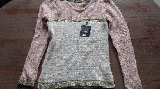 Naujas chanel tipo puošnus megztinis
